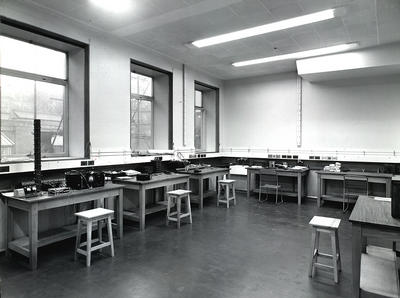 Physics Lab. 1959