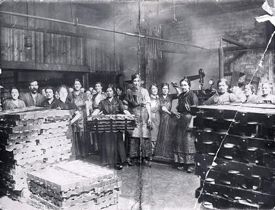 Beef canning factory, 1916