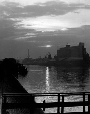 Evening at the Govan Ferry
