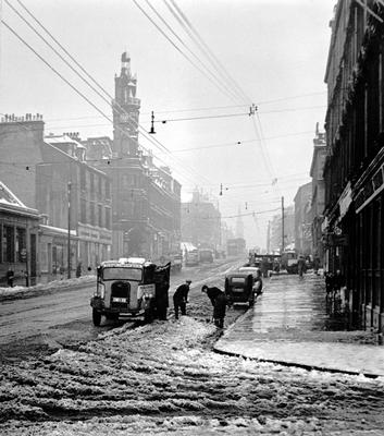 Winter in Great Western Road, 1955