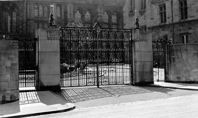 Memorial Gates, University of Glasgow, 1955