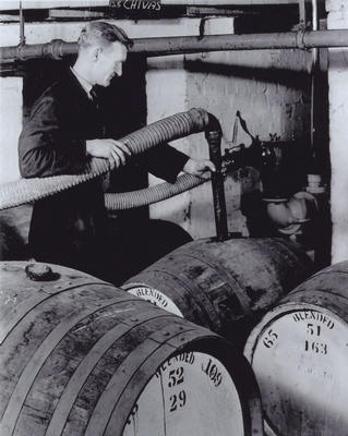 Filling casks